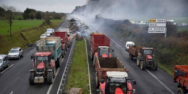 03.02.Agriculture agriculteur tracteur.DAMIEN MEYER  AFP.1280.640