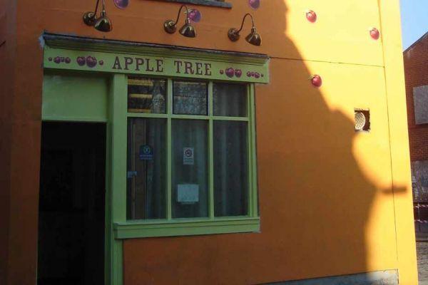 08.12-apple-tree