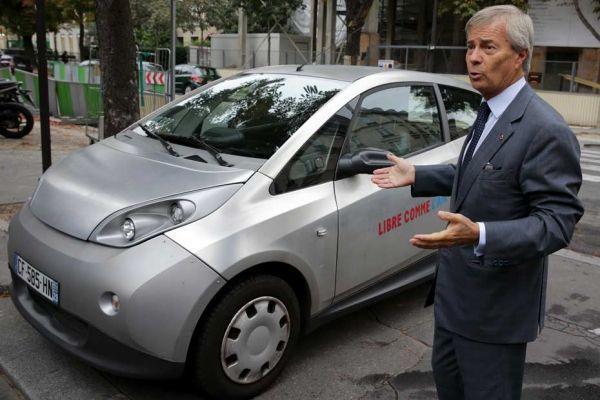 08.12.Bolloré.Autolib.voiture.electrique.Reuters.930.620