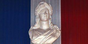 11.02.Marianne.drapeau.fonctionnaire.PASCAL-PAVANI.AFP.1280.640