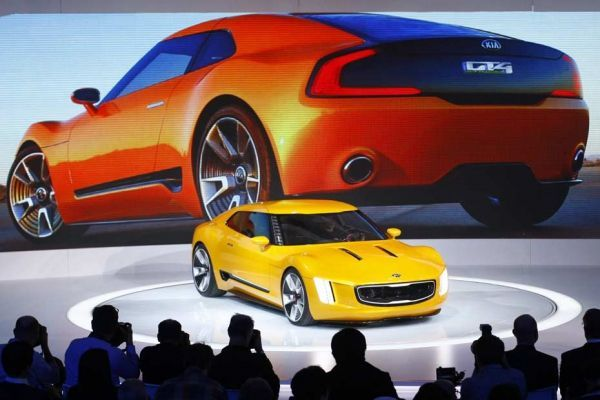 14.01.Kia.GT4.Stinger.Salon.automobile.Detroit.Reuters.930.620