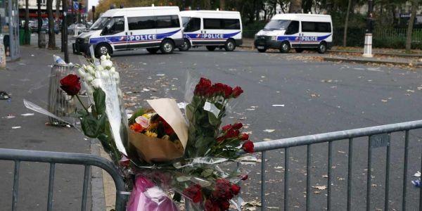14.11.Attentats Paris receuillement.PATRICK KOVARIK  AFP.1280.640.jpg