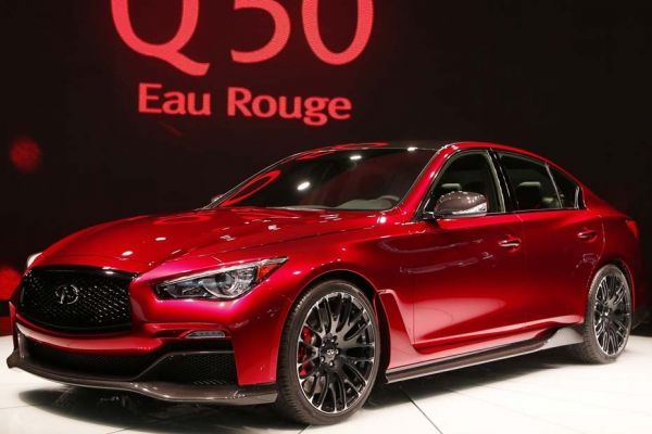 16.01.Infiniti.Q50.salon.auto.detroit.Reuters.930.620