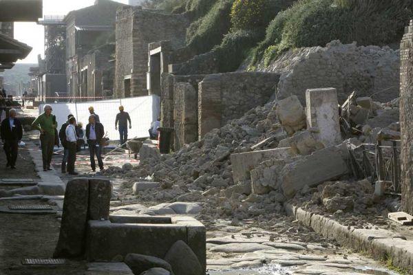22.04-mur-pompei
