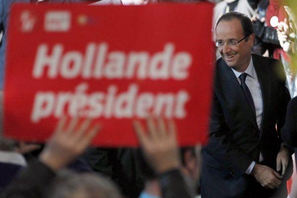 22-10 François Hollande lors de son investiture à la présidentielle 930620