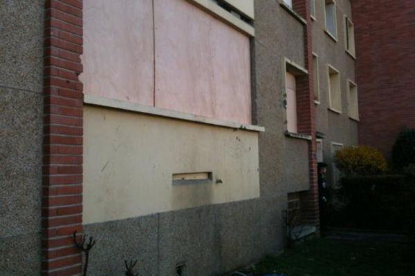 23.03  Le balcon où Mohammed Merah est mort. 930620