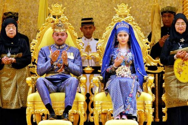 23.10-couple-sultan-brunei