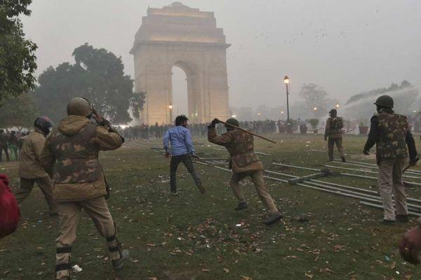 23.12 Inde viol manifestations