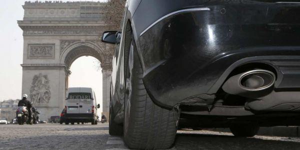 25.11.Voiture.automobile.Paris.Reuters.1280.640