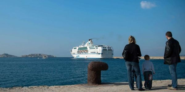 26.02.SNCM.Port.ferry.BERTRAND LANGLOIS.AFP.1280.640