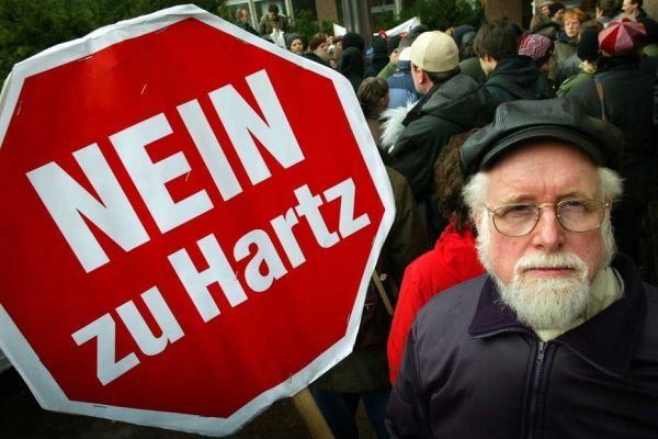 28.01.Hartz.manifestation.Reuters.930.620