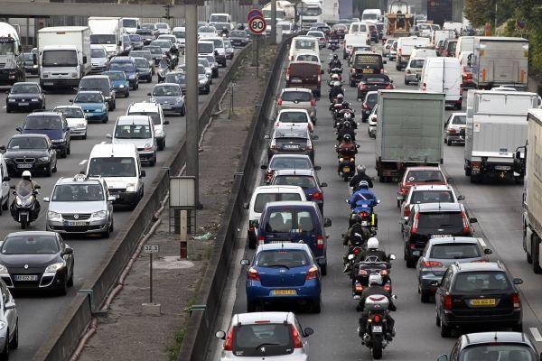 2802 voiture pollution circulation route bouchons embouitellages automobile véhicules 930 620