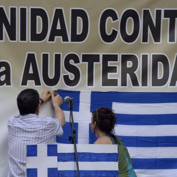 29.06.Grece.Athenes.drapeau.GERARD JULIEN  AFP.640.640