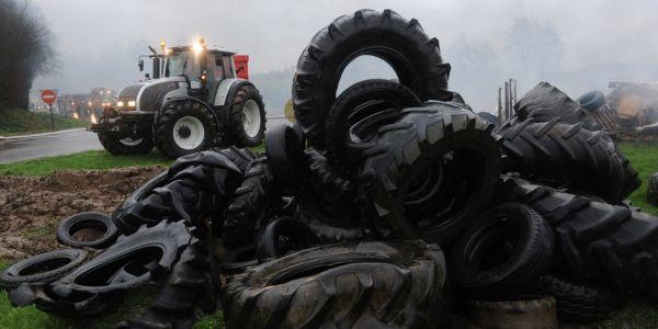 agriculteurs tracteur 1280