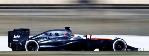 Alonso sur McLaren (1280x480)