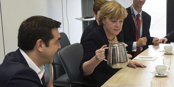 Angela Merkel et Alexis Tsipras - PHILIPPE WOJAZER / POOL / AFP - 1280x640