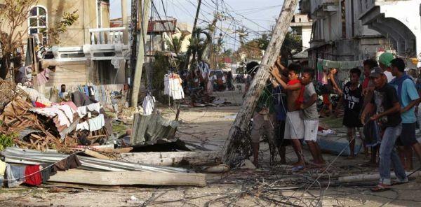 après le typhon aux philippines REUTERS