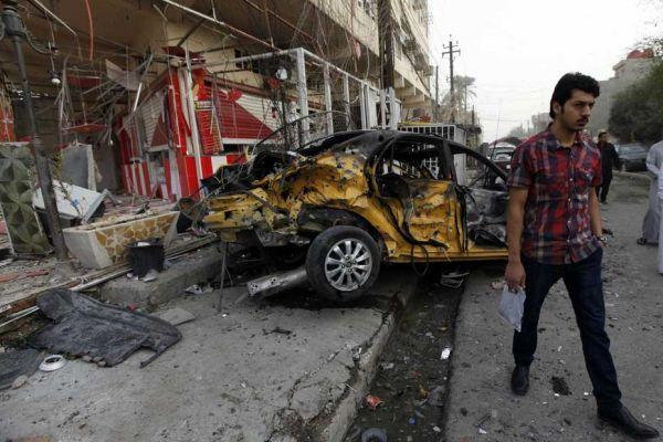après un attentat dans une rue de Bagdad