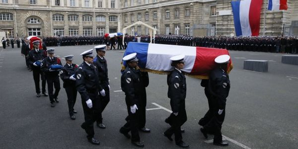 Cérémonie cercueils policiers AFP 1280