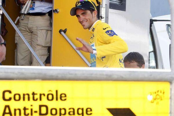 Contador repris par la patrouille, 930