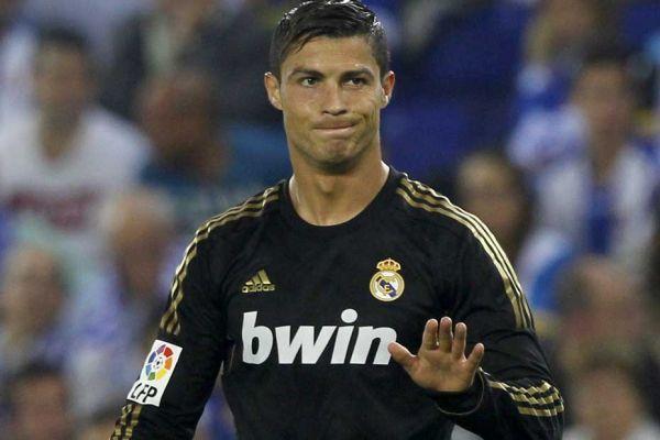 Cristiano Ronaldo, 930