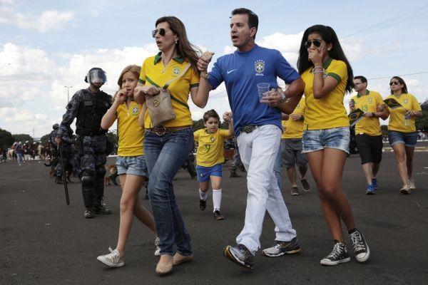Famille de supporters brésiliens (930x620)