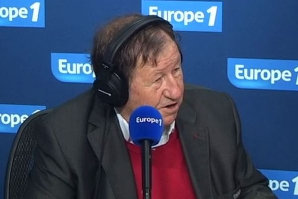 Guy Roux, consultant football pour Europe 1 930x620