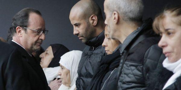 hollande-hommage-FRANCOIS MORI / POOL / AFP 1280