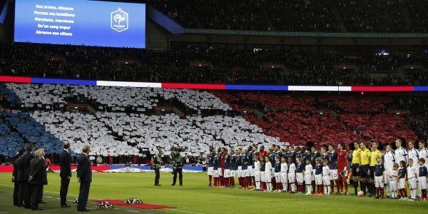 """La Marseillaise"" lors d'Angleterre-France (1280x640) Adrian DENNIS/AFP"
