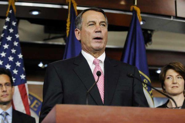 Le républicain John Boehner lors d'une conférence de presse sur la dette lundi soir.