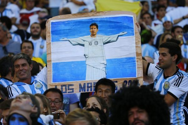 Les supporters argentins (930x620)