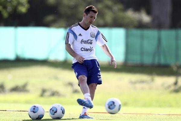 Lionel Messi (930x620)