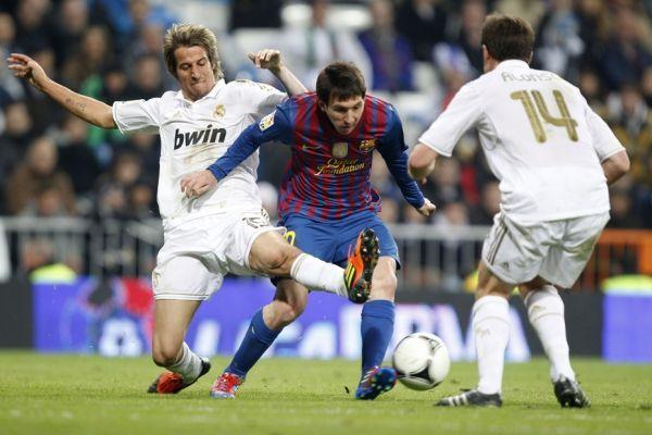 Lionel Messi face au Real (930x620)