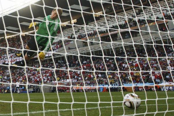 Manuel Neuer face à l'Angleterre (930x620)
