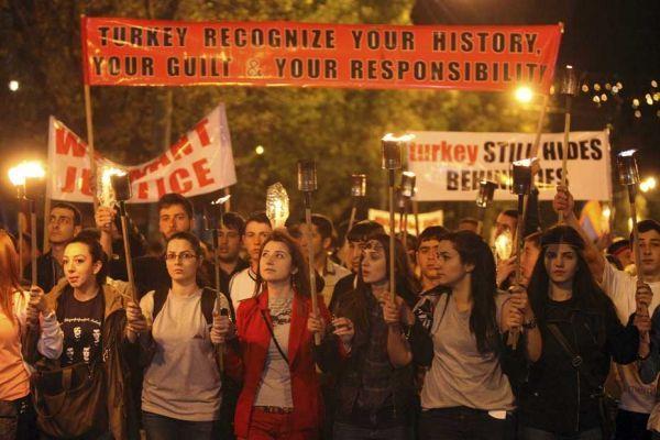 Marche commémorative en Arménie