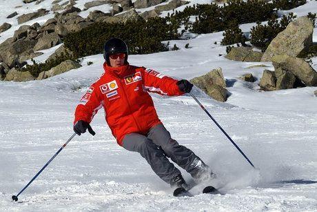 Michael-Schumacher-sur-une-piste-de-ski-930x620_scalewidth_630_scalewidth_460_scalewidth_460_scalewidth_460