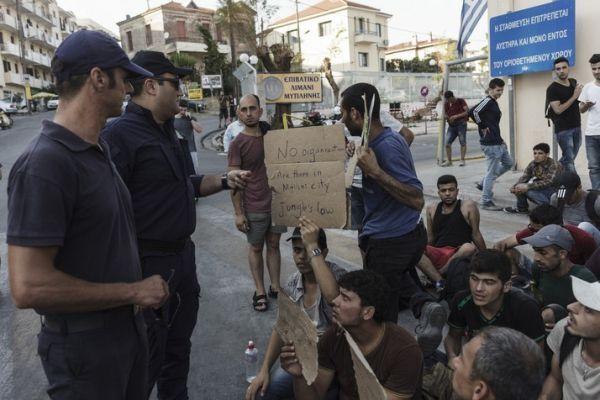 Migrants ACHILLEAS ZAVALLIS / AFP 714