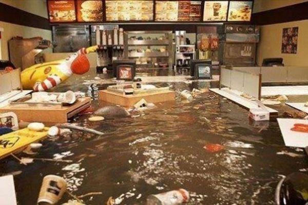new york, faux mcdo inondé