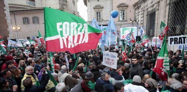 partisans de berlusconi à Rome, 460, REUTERS