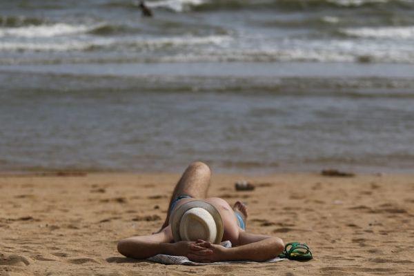 plage bronzage mer