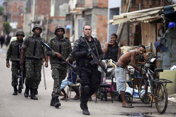 rio bresil favela mare REUTERS 930620