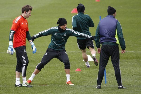 Ronaldo à l'entraînement (930x620)