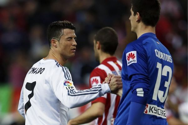Ronaldo avec Courtois (930x620)