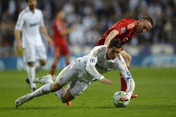 Ronaldo face à Ribéry (930x620)