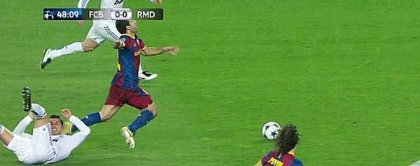 Ronaldo sur Mascherano, 930