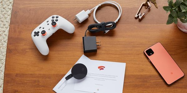 Une manette, un boîtier Chromecast ou un téléphone : voilà tout le matériel requis pour jouer sur Stadia.