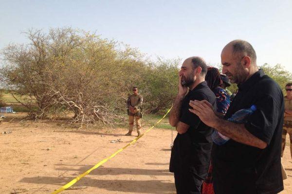 Sur le site du crash de l'avion d'Air Algérie