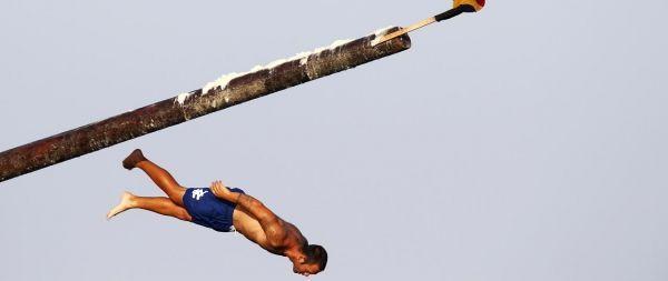 """Un Maltais glisse en tentant l'ascension du """"Gostra"""", près de Saint-Julian"""