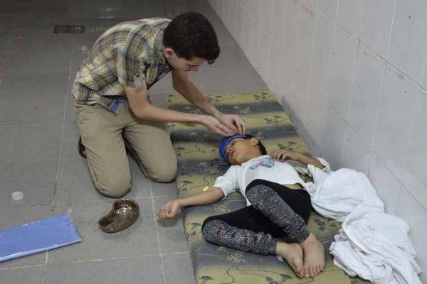 Un médecin syrien raconte l'horreur au lendemain d'une attaque chimique.