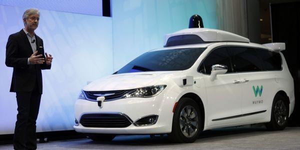 Une voiture autonome conçue par Waymo, une filiale de Google
